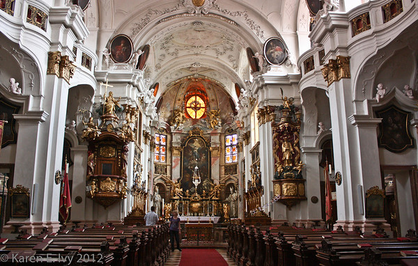Duernstein Abbey Church, nave