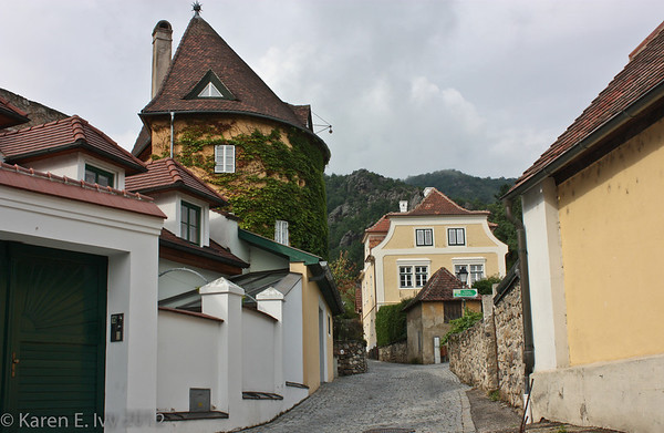 Path up to castle