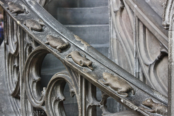 Pulpit handrail with creatures