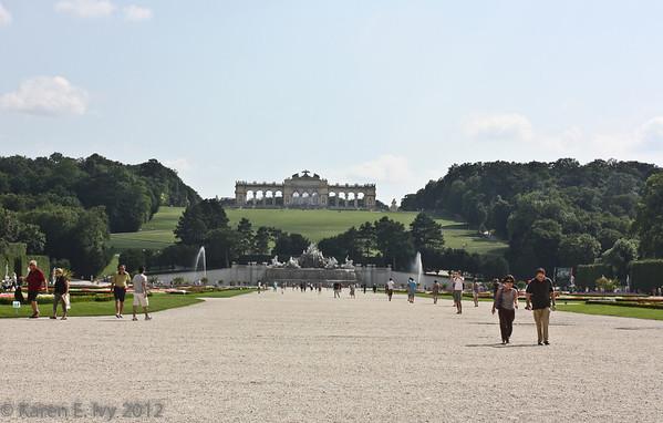 Schoenbrunn Gardens and Gloriette