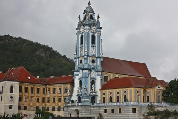Duernstein Abbey church