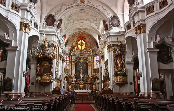 Duernstein Abbey Church, nave