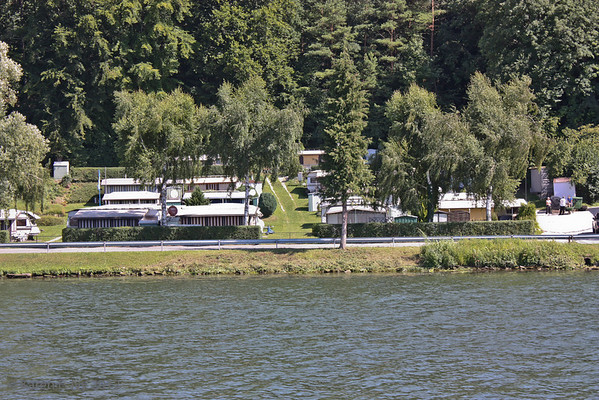Vacation camp on the Danube